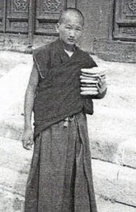 Mladý buddhistický novic v klášteře Amarbayasgalant