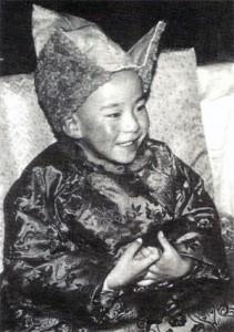 Gjalcchän Norbu (nar. 13.2.1990), Čínou uznaný 11. tibetský pančhenlama.