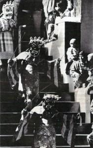 """Z prosincové slavnosti gutor (""""devatero obětin"""") v kláštere Tigce."""