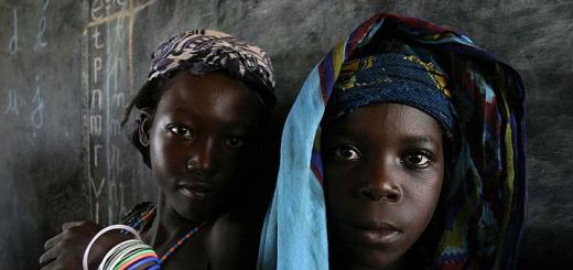 Mladé africké dívky